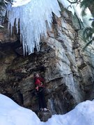 Rock Climbing Photo: Jenny Antin starting up a well-formed mixed line a...