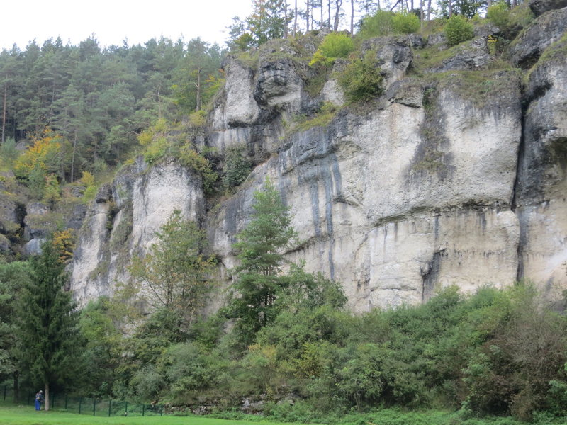 "The left end of Barensclucht (referred to as ""Barenschlucht 1"" in Frankenjura Extreme)."