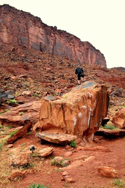Bouldering near Moab on the Colorado River