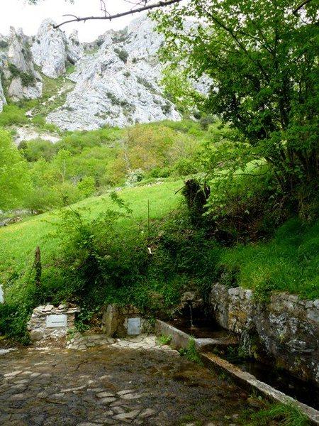Fuente del Ruiseñor en route to La Selva