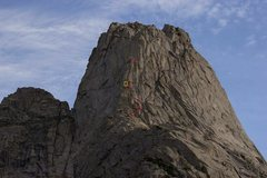 Rock Climbing Photo: A shot of several parties on Pingora.  I believe w...