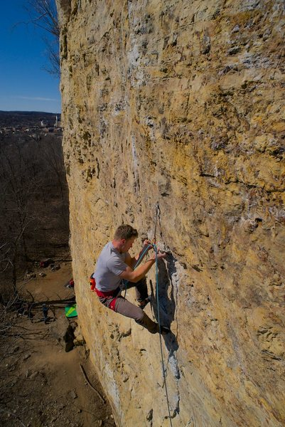 Rock Climbing Photo: Pulling the underclings.
