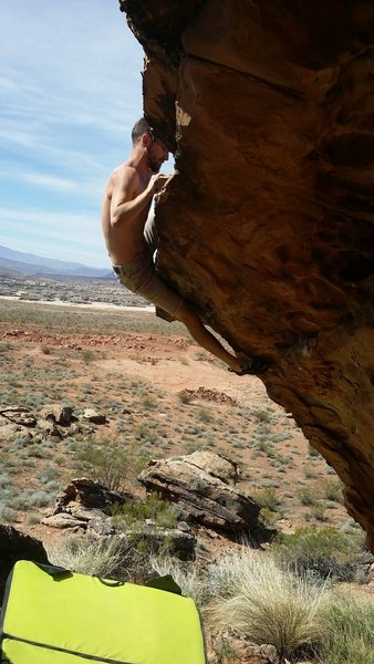 Rock Climbing Photo: Pulling the lip