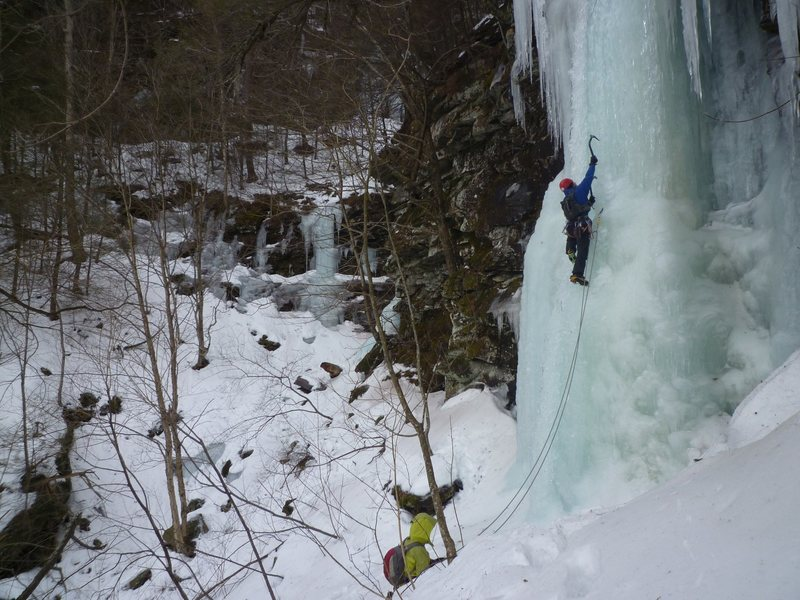 Rock Climbing Photo: The grade 4 option to the right of P3.  This ice i...