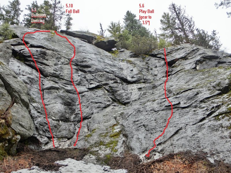 Rock Climbing Photo: Ball park area. Most right climbs on the balls wal...