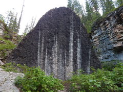 Large boulder in Darby Canyon <br />