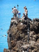 Rock Climbing Photo: Cliff jumpers at Black Rock.