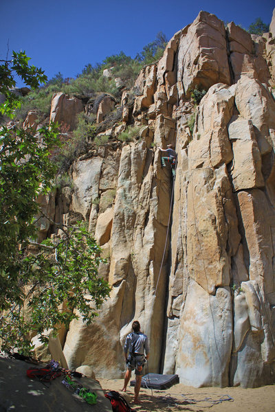 Due to the drought, falls are totally dry right now! Makes for easy belay from the bottom.