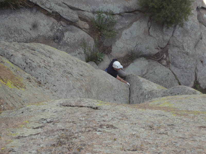 Rock Climbing Photo: Rick in the lay back start.  A small nut and a cou...