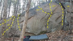 Rock Climbing Photo: Another spot with a few routes on the way in to th...