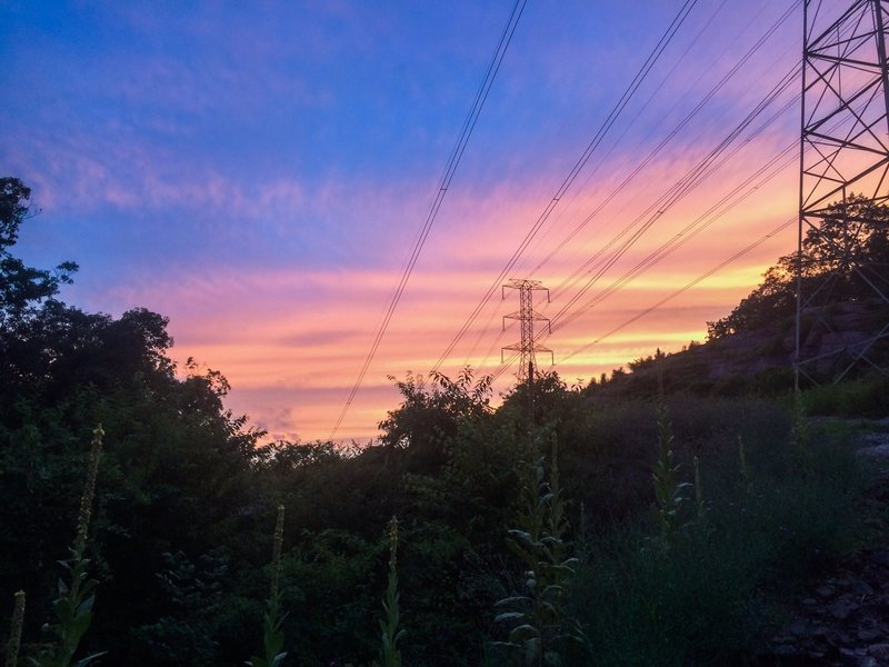 Rock Climbing Photo: Sun setting behind the iconic buzzing powerlinez n...