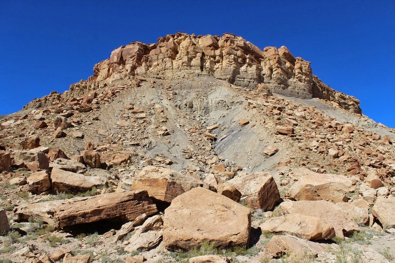 Rock Climbing Photo: Small sample of some of the boulders in this area,...