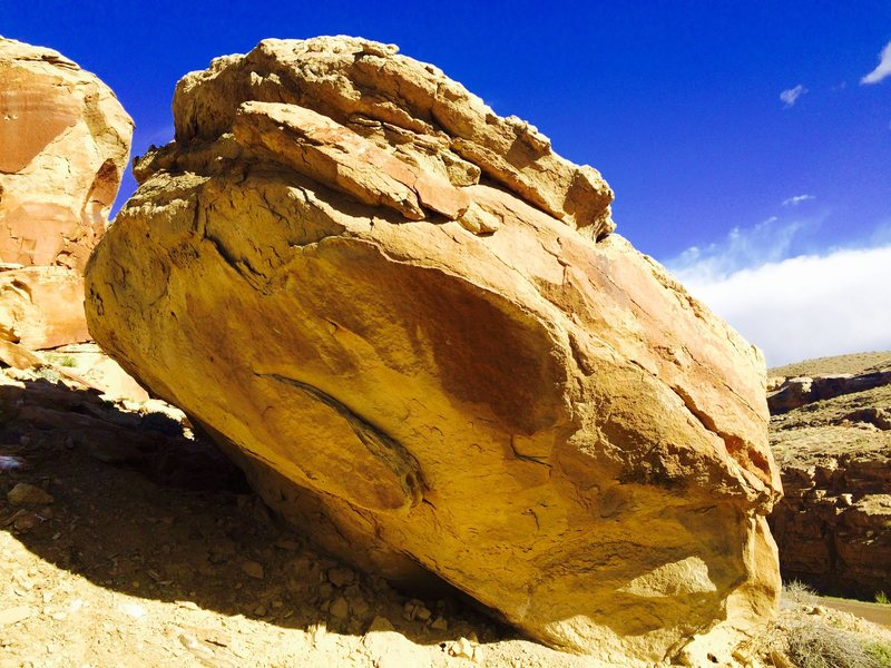 &quot;Sun Dagger&quot; (V6)<br> <br> Project.<br> <br> Located on &quot;The Spiral Calendar&quot; (boulder)