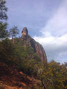 Rock Climbing Photo: On final approach up the blunt ridge to the Guardi...