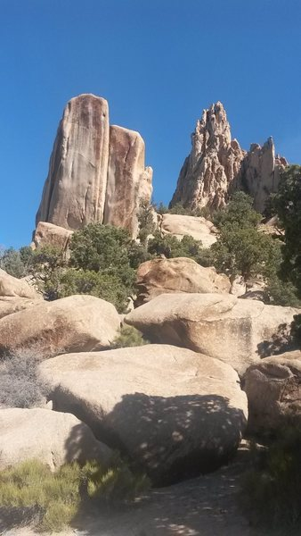 Rock Climbing Photo: The Tombstone from the Southeast.  Unknown routes ...