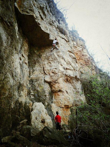 Rock Climbing Photo: Paul scooting around the corner on Weenies and Ner...
