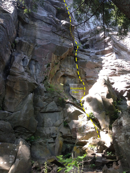Rock Climbing Photo: Meat Grinder, showing the start on The Shield wall