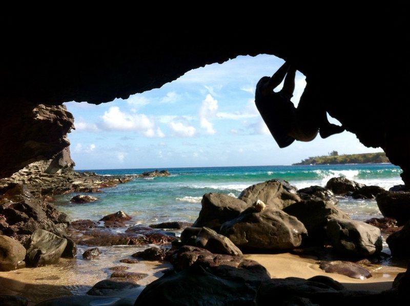 Tropical Paradise Bouldering!