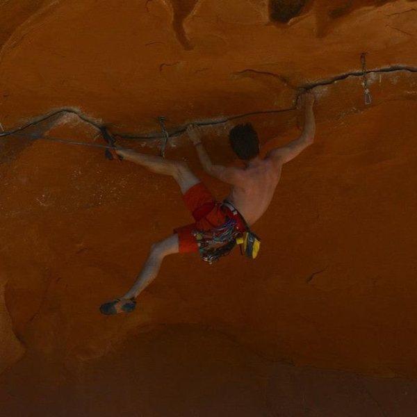 Rock Climbing Photo: Doing the mambo, the horizontal mambo...