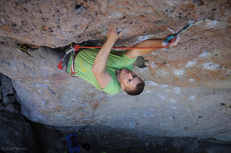 Rock Climbing Photo: Dave Darnell on the steep.  Photo by Steve Cox
