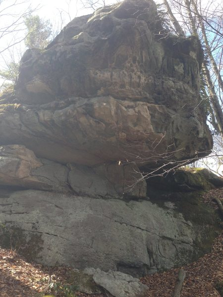 Beta photo of Fat lip boulder.