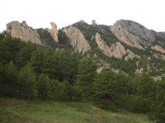 Rock Climbing Photo: Jamcrack Spire, Maiden, Fatiron, Devil's Thumb (on...