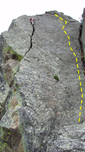 Rock Climbing Photo: Lew on Cache Crack, Cache Memory is the flake/crac...