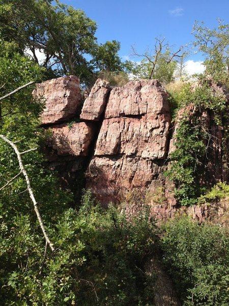 Rock Climbing Photo: Mound Creek Trail Outcrop