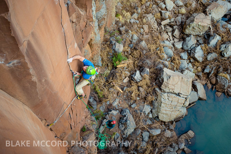 J.Snyder on the offset seem boulder problem<br> <br> Photo:blakemccordphoto.com
