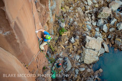 Rock Climbing Photo: J.Snyder on the offset seem boulder problem  Photo...