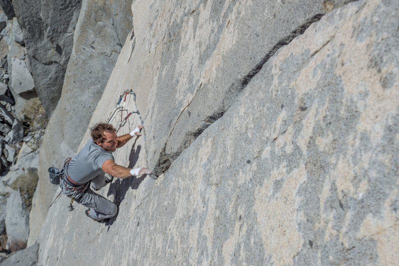 Julien Lecorps moving through the amazing diagonal crack<br> photo: Jeff Fox