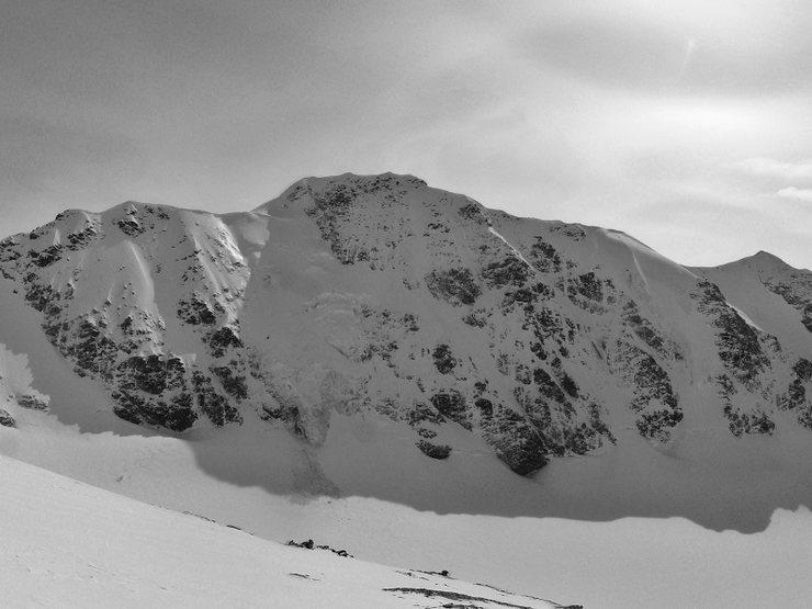 Rock Climbing Photo: Item Peak 7,800ft