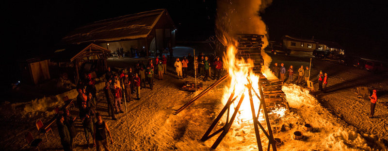 Sunday Night bonfire and spaghetti feed. ( picture firm 2015 Valdez Ice Climbing Festival