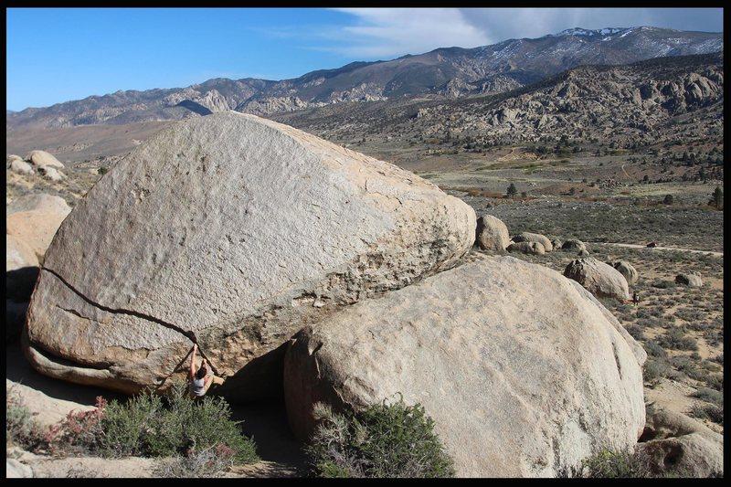 unnamed v1 crack on the golden boulder