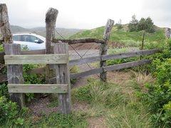 Rock Climbing Photo: Cattle stop route to Kahakuloa Head & Kahekili's L...