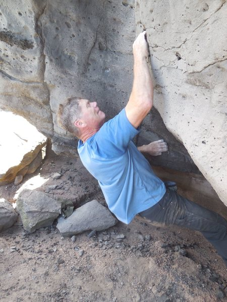 Rock Climbing Photo: Pulling the sit start on Scraping Barnacles.