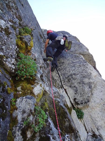 Rock Climbing Photo: Jamming the start of Sun Tzu