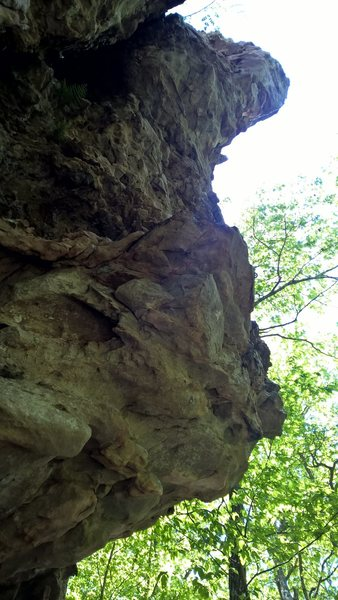 Rock Climbing Photo: Bouldery start leads to an exposed, overhung headw...