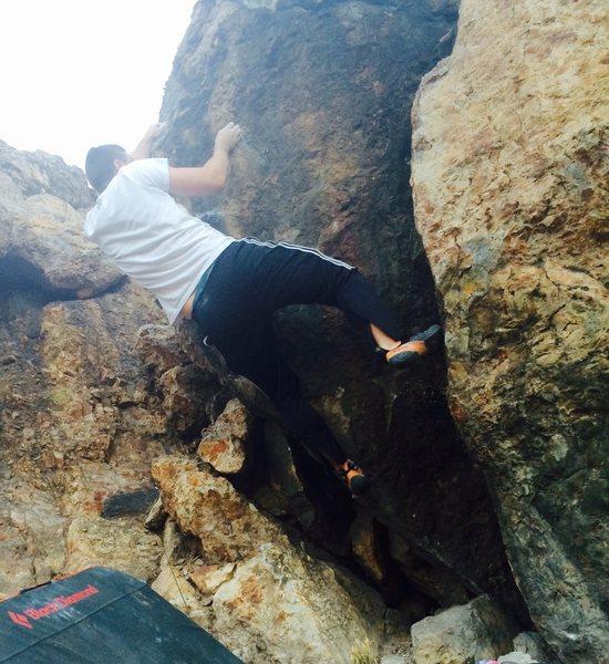 Rock Climbing Photo: Sticking the sloper.