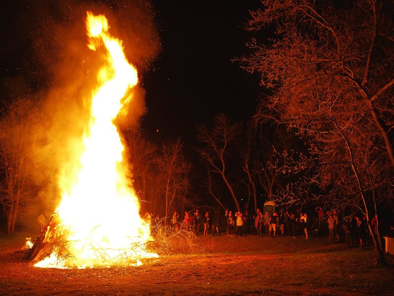 Small bonfire in Wisconsin.  The annual spring climbers party at Mike Lohre's place.