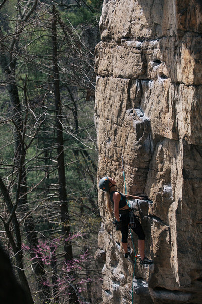 One of my climbing partners sending this. Good warm up route or for those new to outdoor climbing. I did the cave bouldery start which was very fun and not that hard.