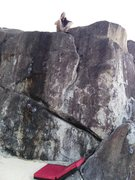 Rock Climbing Photo: At the top of Island Flake. Be careful to pad the ...