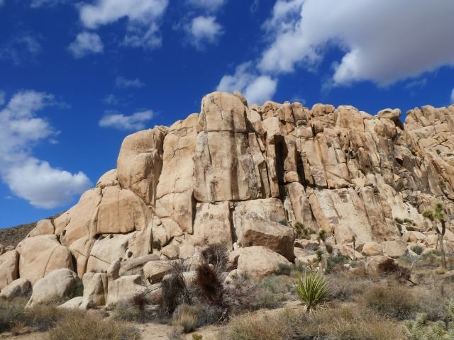 Rock Climbing Photo: Another view of Sinagar Rock, Joshua Tree NP