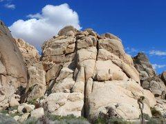 Rock Climbing Photo: Sinagar Rock with the Comic Strip to the left, Jos...