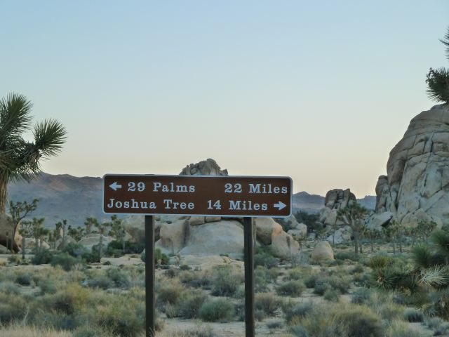 Rock Climbing Photo: Road sign at the intersection of Park Blvd and the...