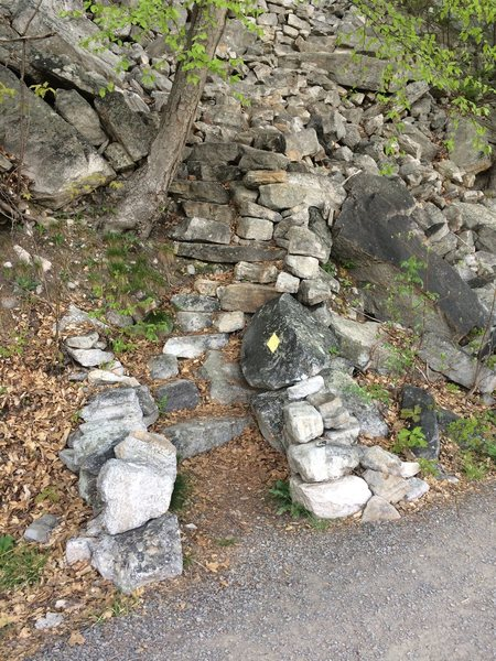 Rock Climbing Photo: Thin Slabs approach trail. The next trail is Arrow