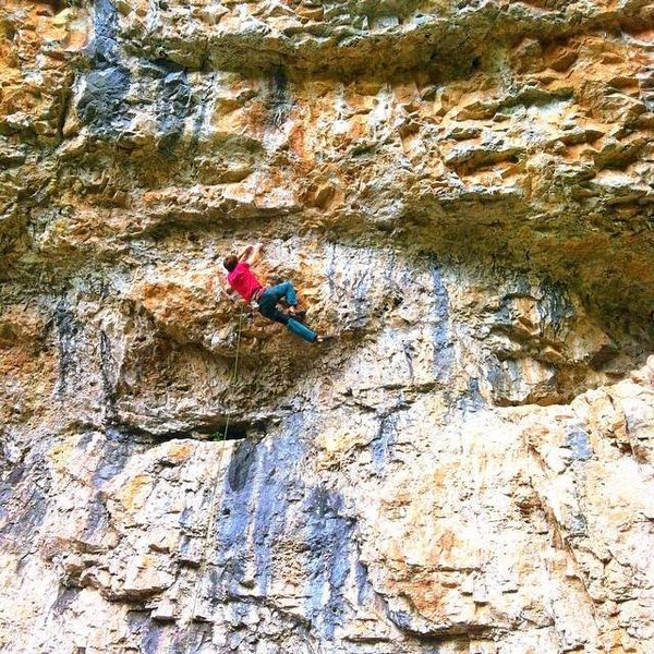 Der Squeal to Der Stihl (5.13b) in Rifle
