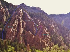 Rock Climbing Photo: A few options to start the ridge. Pink seems like ...