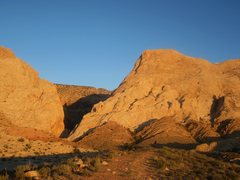 Rock Climbing Photo: Two Fingers Canyon at dawn