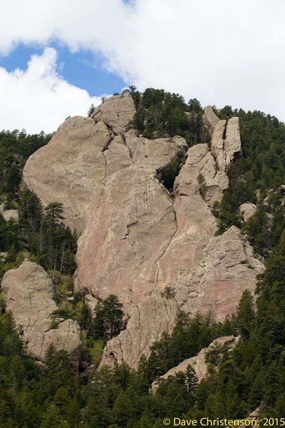 Rock Climbing Photo: E face of 4th Flatiron from lower Skunk Canyon.